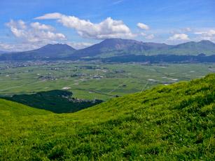 北外輪より阿蘇五岳を望む