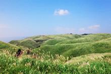 阿蘇北外輪山中央部の草原景観(阿蘇市)